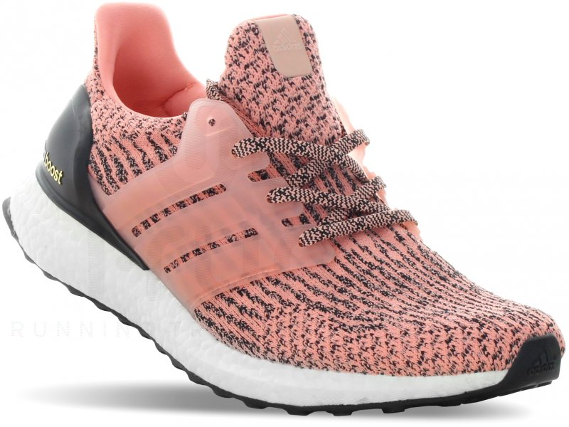 adidas Ultra Boost W pas cher - Chaussures running femme running Route & chemin en promo