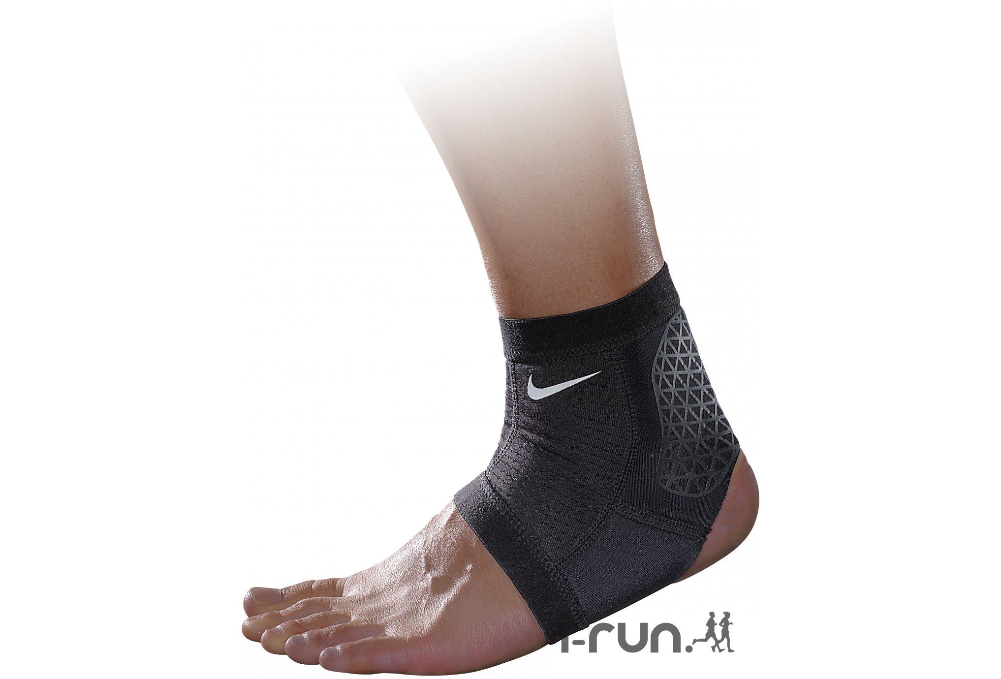 Nike Chevillère de Combat Nike Pro Protection musculaire & articulaire