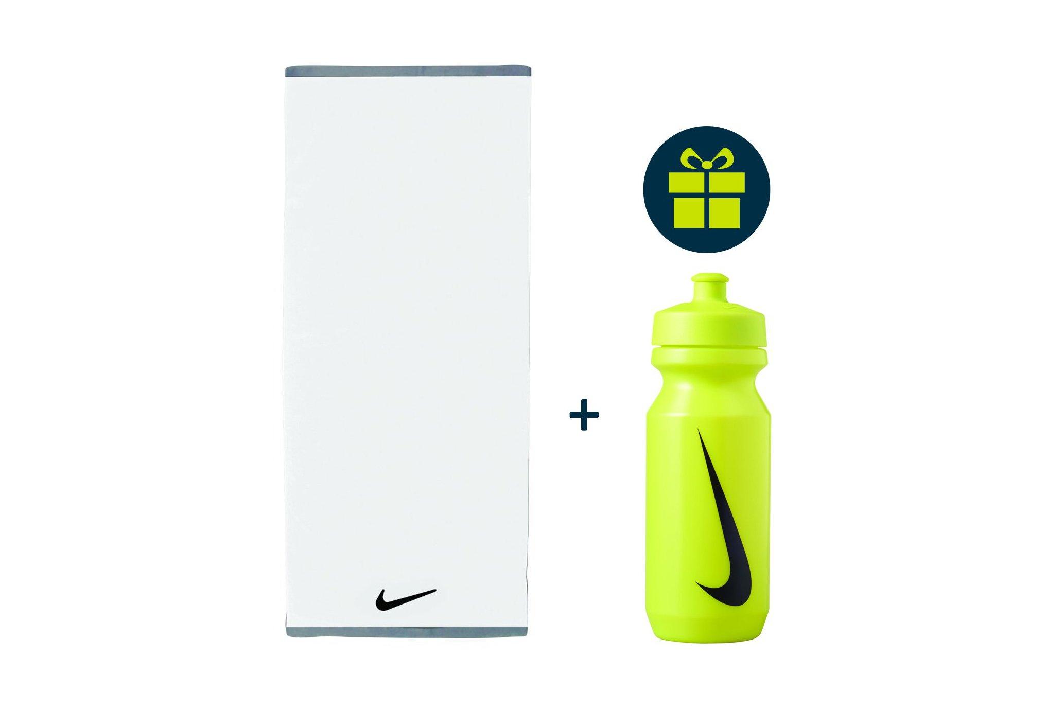 Nike Pack Fundamental Towel - L + Big Mouth 2.0 650mL Training
